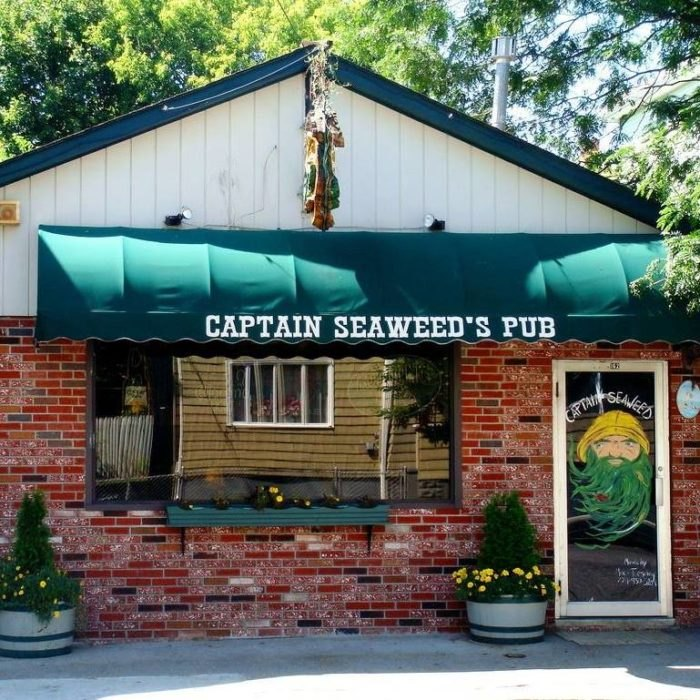 Captain Seaweed S Family Pub Is A Pirate Themed Restaurant