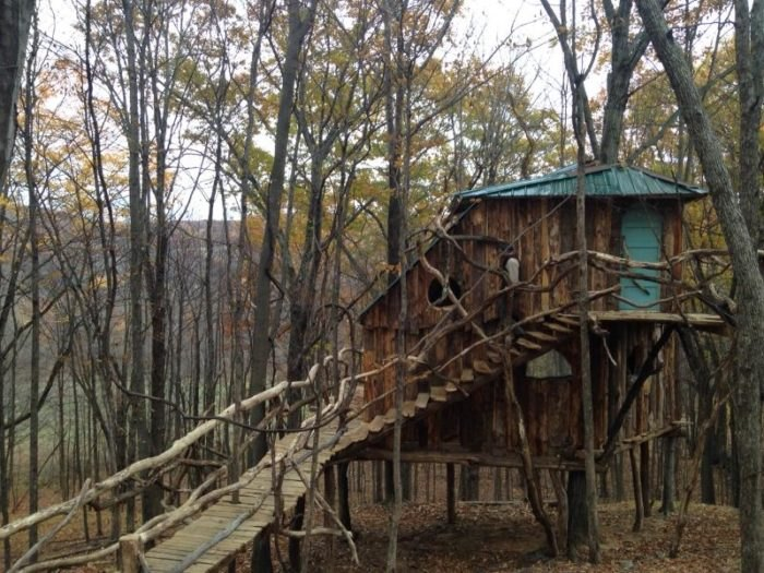 Hermit Thrush Treehouse: A Magical Overnight Treehouse Stay In Vermont