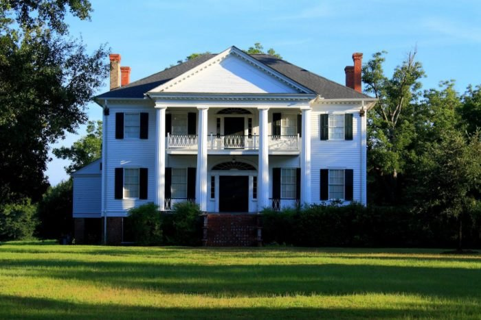 9 Most Charming Historic Homes In Alabama