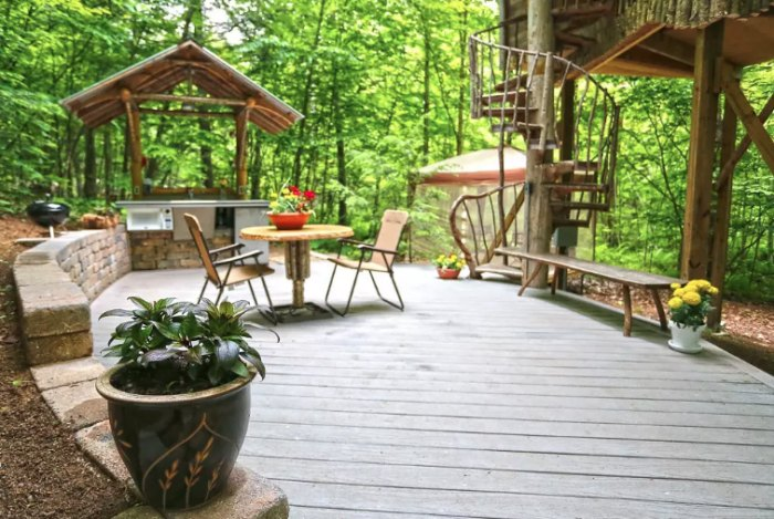 This Adirondack Treehouse Resort In New York May Be Your New