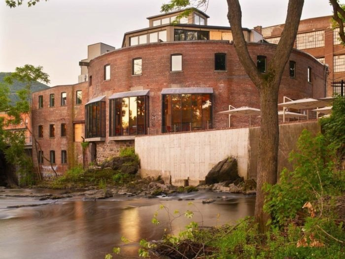 The Roundhouse Restaurant In Beacon New York Overlooks The