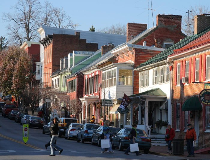 9 Best, Most Affordable Mountain Towns To Move To In West Virginia