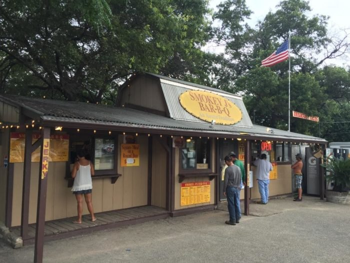 9 Best Hole In The Wall BBQ Restaurants In Austin