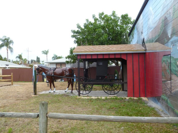 The Tiny Amish Town In Florida That's The Perfect Day Trip