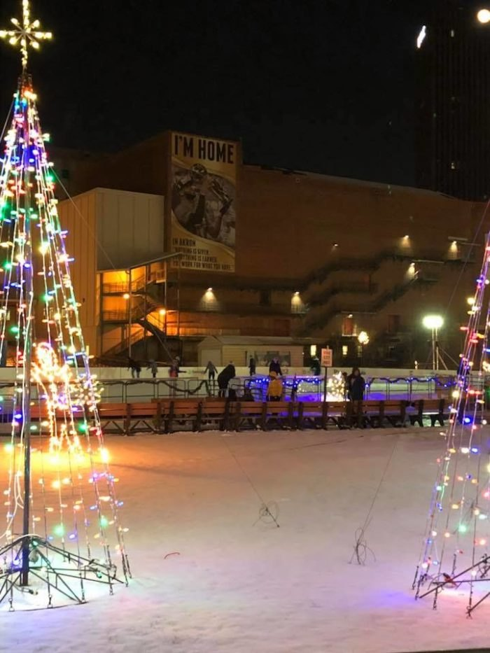 Christmas Ice Skating Rink Decoration.The Largest Ice Skaitng Rink In Ohio Lock 3 Akron