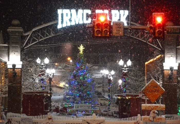 Christmas In Indiana.Indiana A Pennsylvania Town Transforms Into A Christmas