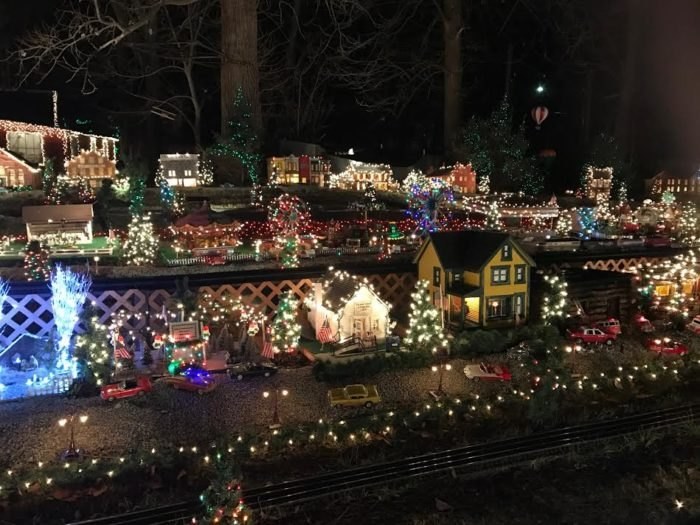 One Story House Christmas Lights.The Best And Biggest Christmas Lights Display In Ohio