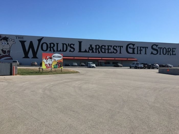 Outstanding Worlds Largest Gift Store This Massive Gift Shop In Frankydiablos Diy Chair Ideas Frankydiabloscom