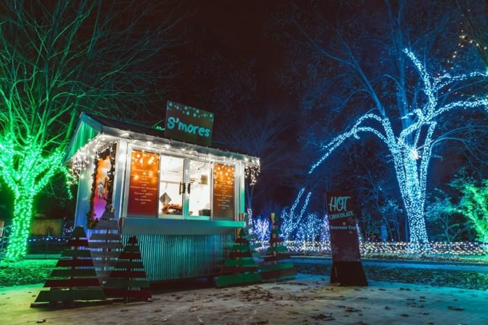Detroit Zoo Christmas Lights.Wild Lights Is Best Zoo Christmas Display In Detroit