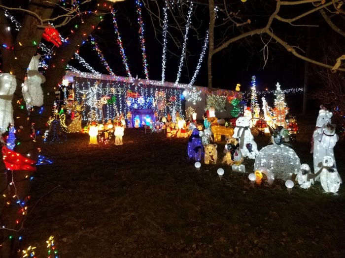 Facebook Henry S Christmas Yard 1504 26th Avenue Moline Il
