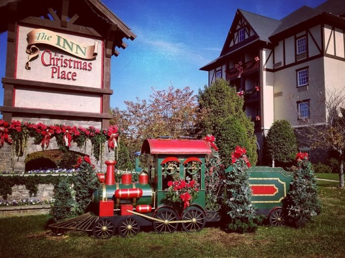 Christmas Inn.The Inn At Christmas Place Is Best Christmas Holiday Hotel