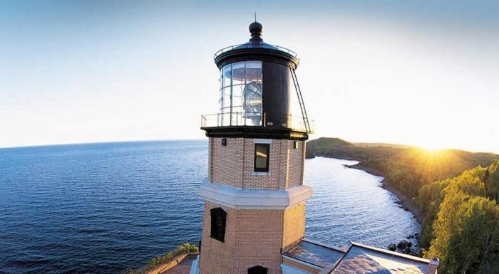 One Of The Most Beautiful Lighthouses In The U.S. Is 2,000 Miles From The Sea