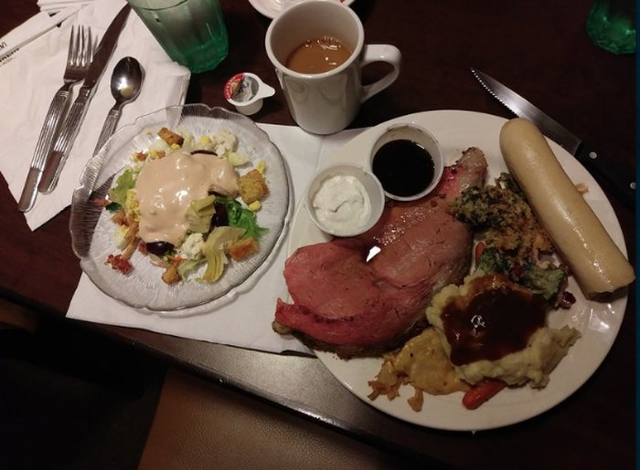 Peachy Here Are The 5 Best Buffets In All Of South Dakota Home Interior And Landscaping Oversignezvosmurscom