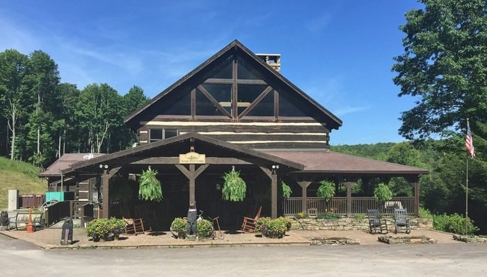 Maryland S Savage River Lodge Has A Rustic Indoor Restaurant