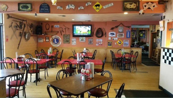 This Pig-Themed Restaurant In Nevada Has The Best BBQ