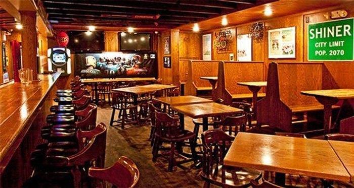 Back Alley Hole In The Wall Restaurant In Ohio Mac Joe S