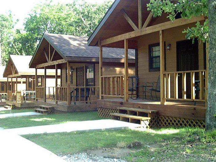 The Lakeside Cabin Rentals At Southern Oaks Resort In