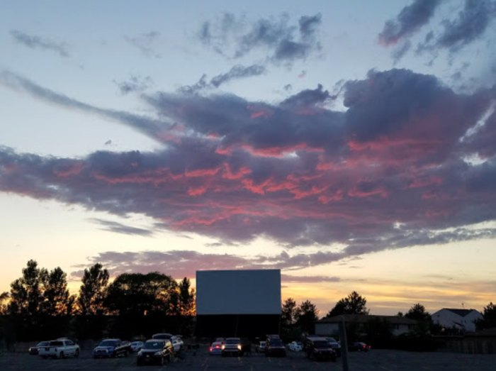 Redwood Drive In Has A Swap Meet And Drive In Movies