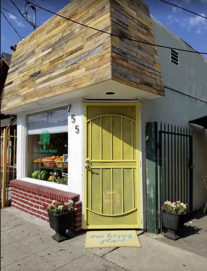 Rick's Produce Shop In Southern California Is An Indoor