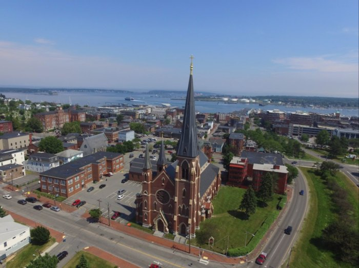 This Gorgeous Church Hiding In Portland, Maine Is Nothing