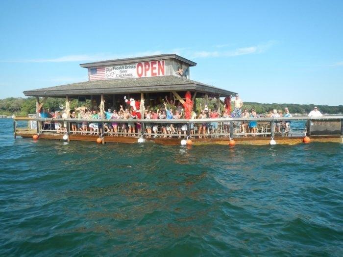 Okoboji Boat Works Offers A Lake Okoboji Tiki Bar Tour