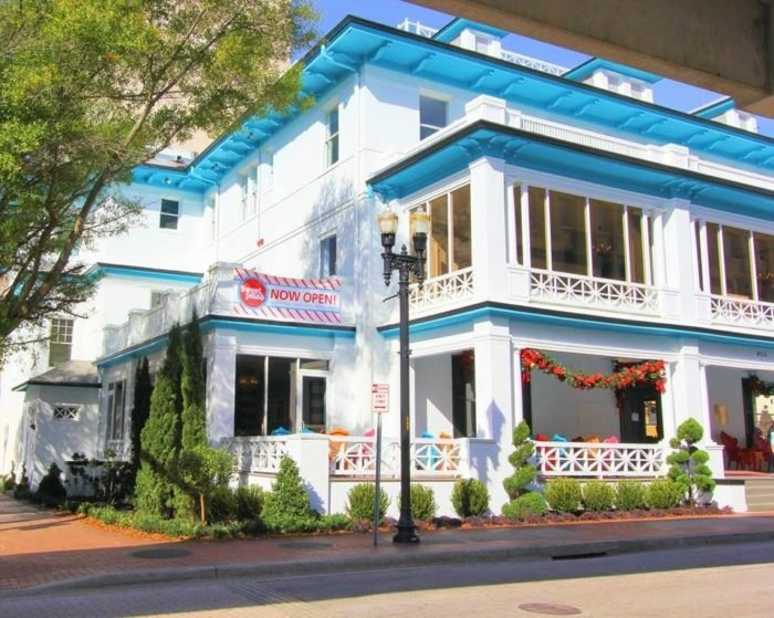 Visit Sweet Pete's Candy Mansion In Florida With The Whole