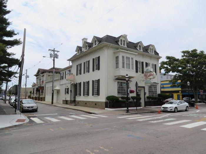 The Old Canteen Italian Restaurant In Rhode Island Has Been
