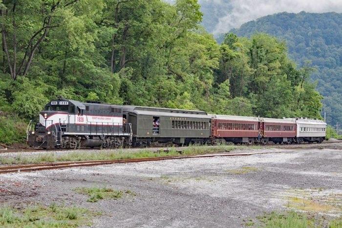 Everett Railroad's Scenic Train Excursion Takes You To A