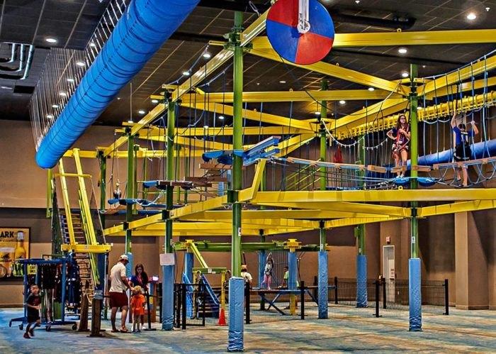 Margaritaville Has A 55,000-Square-Foot Indoor Entertianment