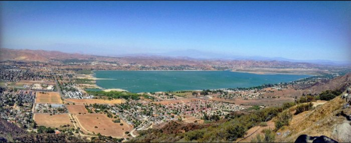 Lake Elsinore In Southern California Has A Beach That Rivals