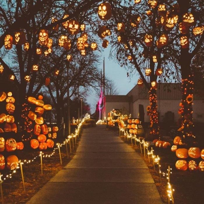Pumpkin Nights Is A Village Of 3 000 Glowing Pumpkins In Texas