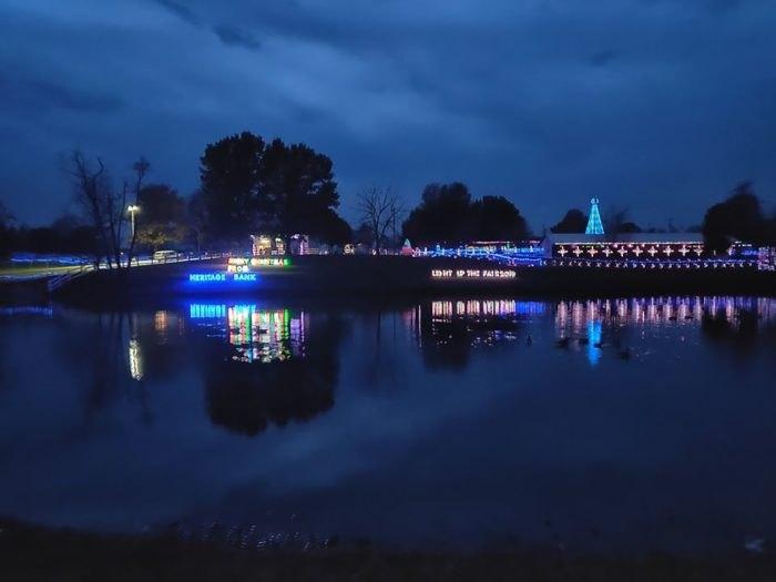 Enjoy The 6 Best Drive Thru Christmas Lights Displays In