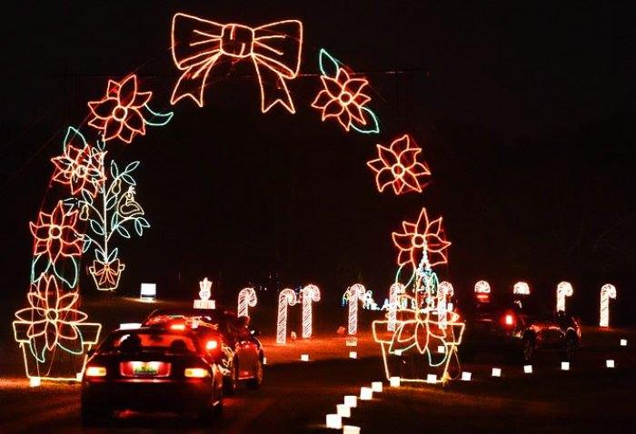 5 Best Drive-Thru Christmas Light Displays In Alabama