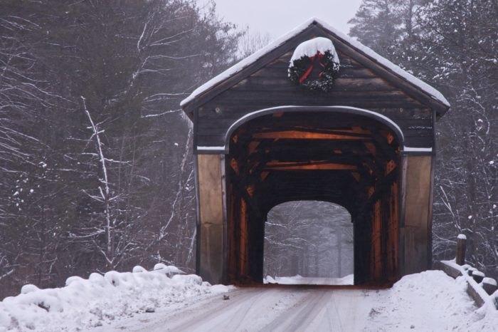 https://img-aws.ehowcdn.com/700x/cdn.onlyinyourstate.com/new-hampshire/9-covered-bridges-road-trip-nh/