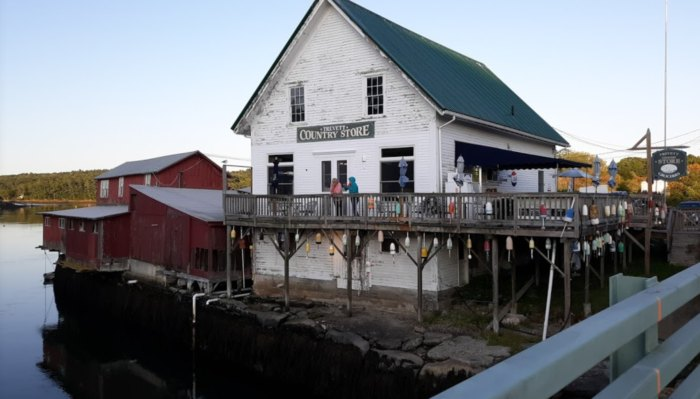 The Lobster Roll At Trevett's Country Store In Maine Is About As Authentic As They Come