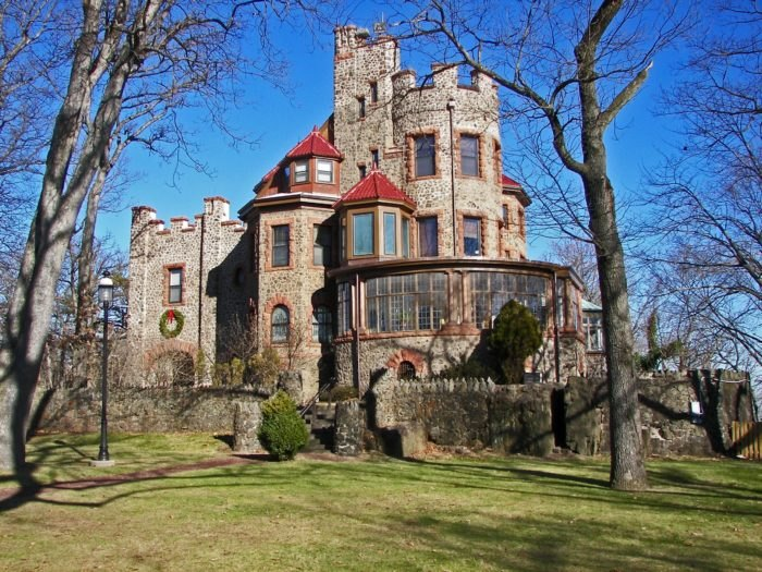 Exterior of Kips Castle New Jersey