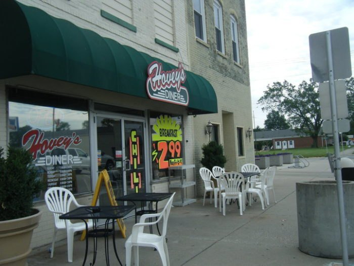 Hovey's Diner Exterior Illinois
