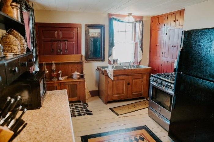 Airbnb Nauvoo Illinois Kitchen