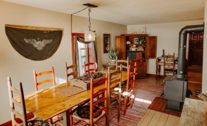 Airbnb Nauvoo Illinois Dining