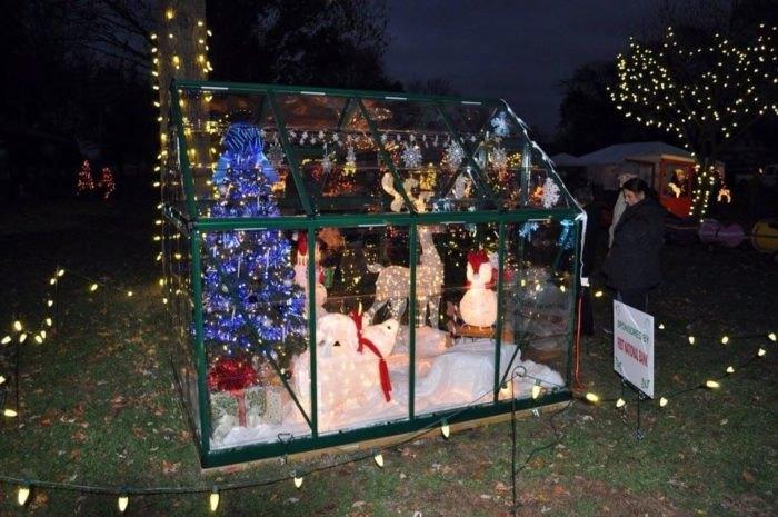 Bethalto Christmas Village Glass Cottage