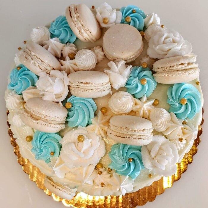 Macaron Cake Bennison's Bakery Illinois