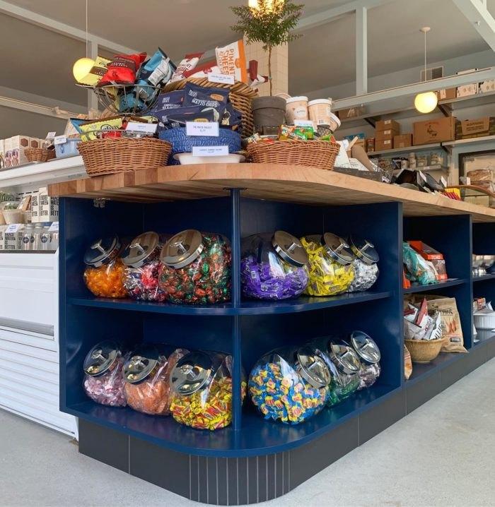 Tottos Market Interior Illinois