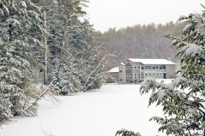 Everyone From New Hampshire Should Take This Awesome Mountain Lake Vacation Before They Die