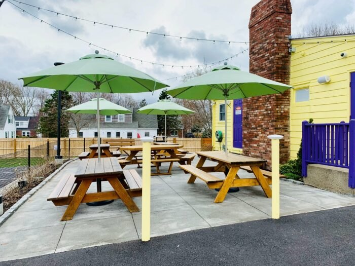 outdoor dining at The Inside Scoop in Rhode Island