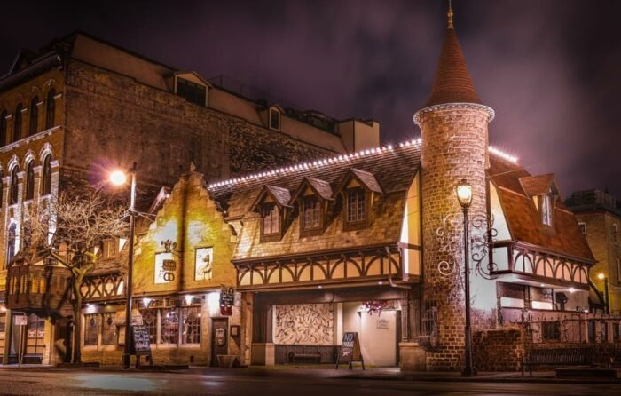This Castle Restaurant In Wisconsin Is A Fantasy Come To Life