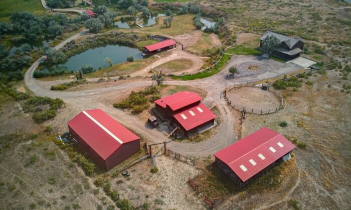 bird's eye view of Almosta Ranch Lodge in Wyoming
