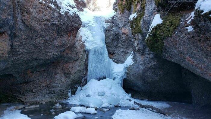 waterfall trail in Utah