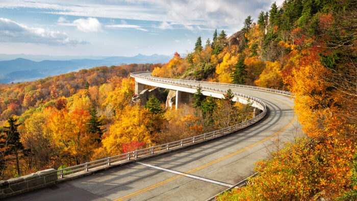 The 20 Best Places To See The Most Beautiful Fall Foliage Across America