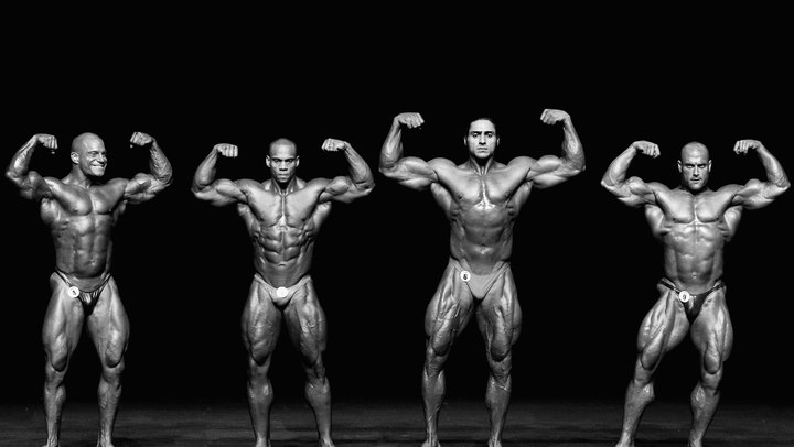 In bodybuilding competitions, your legs are one of the most important aspects that judges look at. Thus, while many bodybuilders neglect their legs in favor of training the mirror muscles -- the chest, biceps and abdominals -- this is a mistake. To succeed in bodybuilding, your legs must be ripped. This is achieved by building the muscles and stripping body fat.