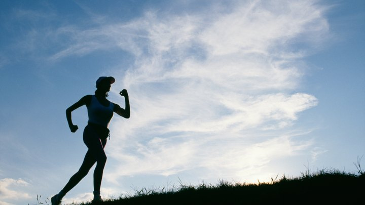 Running and cycling are two popular cardiovascular sports that provide different benefits, depending on your fitness goals. While both activities are good calorie burners, running burns more calories compared to cycling. If an individual has experienced an injury or suffers from knee problems, then lower-impact cycling may be a better option.